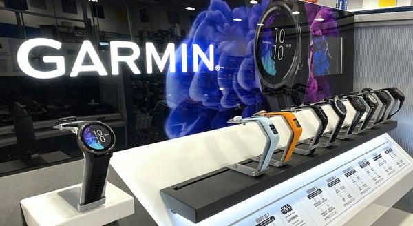 Image of Garmin watches on the salesfloor.